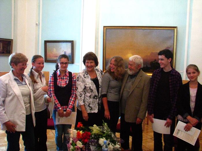Мюд Мечев с участниками конкурса