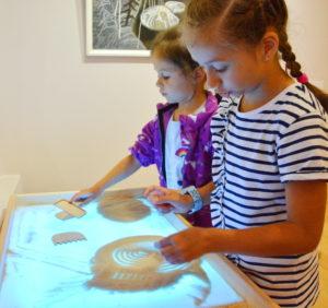 музейная академия, калевала, песок,, песочный стол, рисование песком