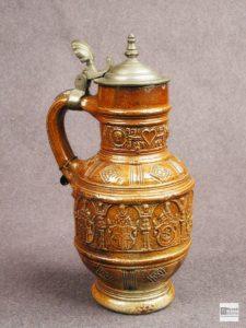 Керамический кувшин с металлической крышкой. 1602 г. Германия