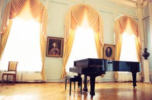 рояль, русский зал